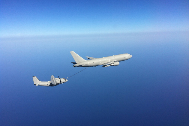 C-27J carries out KC-767A refueling tests