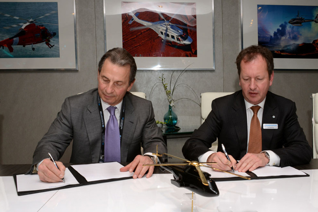 Heli-Expo 2012: Milestone signs for 16 EC225s