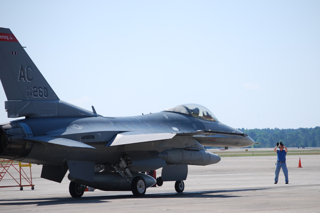 Farnborough 2012: Boeing targets F-16 upgrade market