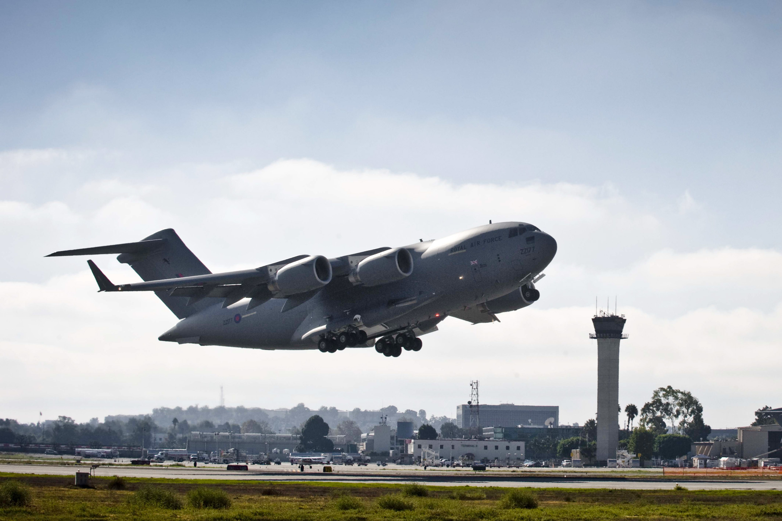 UK requests new C-17A Globemaster engines