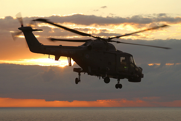 Algeria orders more Super Lynx helicopters from AgustaWestland