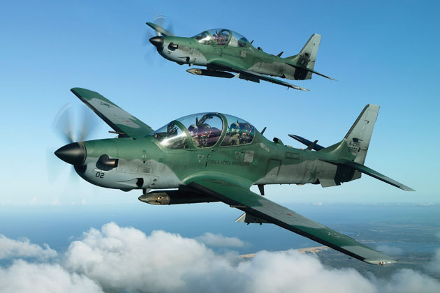 Farnborough 2012: Boeing signs Tucano coop agreement with Embraer