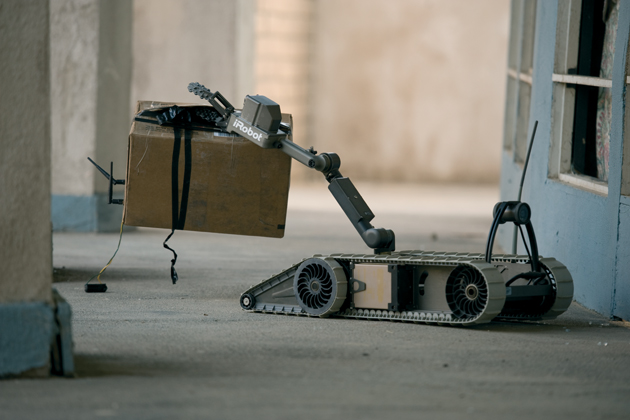iRobot announces 310 SUGV spares and controller orders