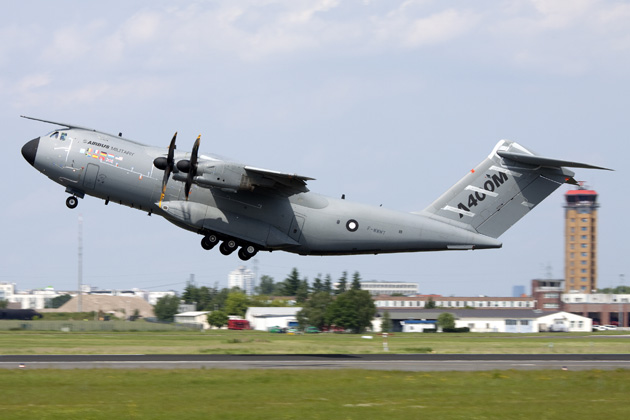 Engine trouble causes further A400M delays