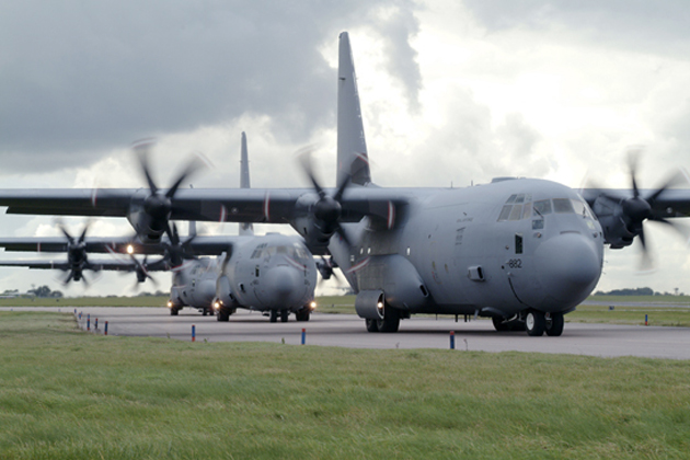 UK awards C-130 support contract