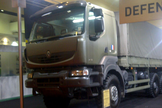 DSA12: Renault holds out for Asian contracts